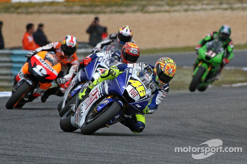 Valentino Rossi leader devant Jorge Lorenzo et Dani Pedrosa