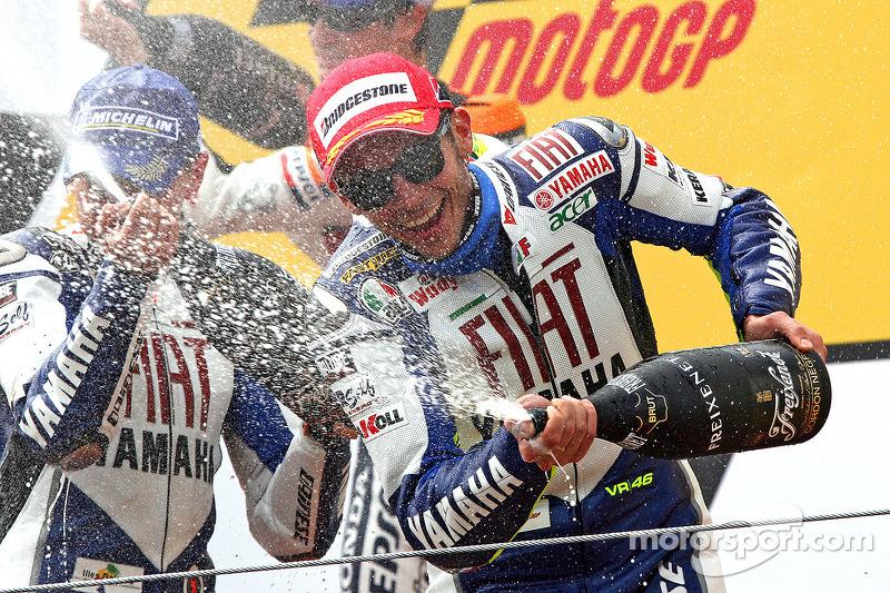 Champagne pour Jorge Lorenzo et Valentino Rossi