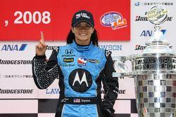 Победитель гонки Даника Патрик