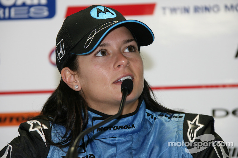 Danica Patrick na coletiva de imprensa pós-corrida