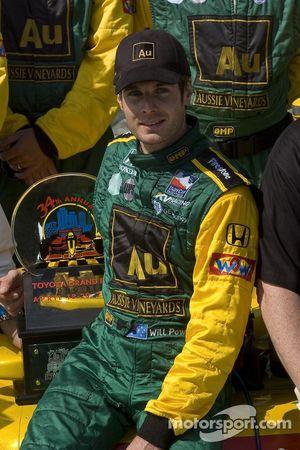 Podium: race winner Will Power celebrates with his team