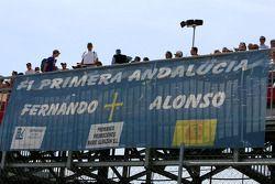 Fernando Alonso, Renault F1 Team, flag