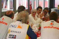 Teams meeting, All Takım Patronus ve key figures ve Bernie Ecclestone discussion