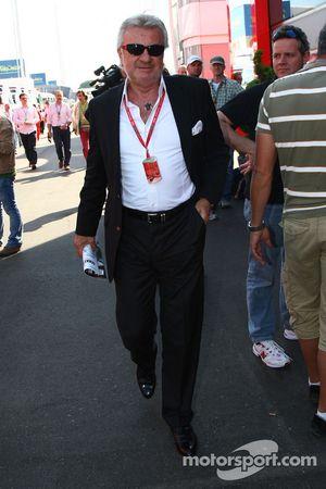 Willi Weber, Pilot Menajeri