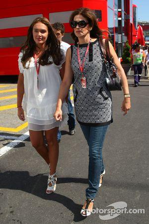 Tamara Ecclestone, Daughter, Bernie Eccelestone ve Slavica Ecclestone, eşi to Bernie Ecclestone