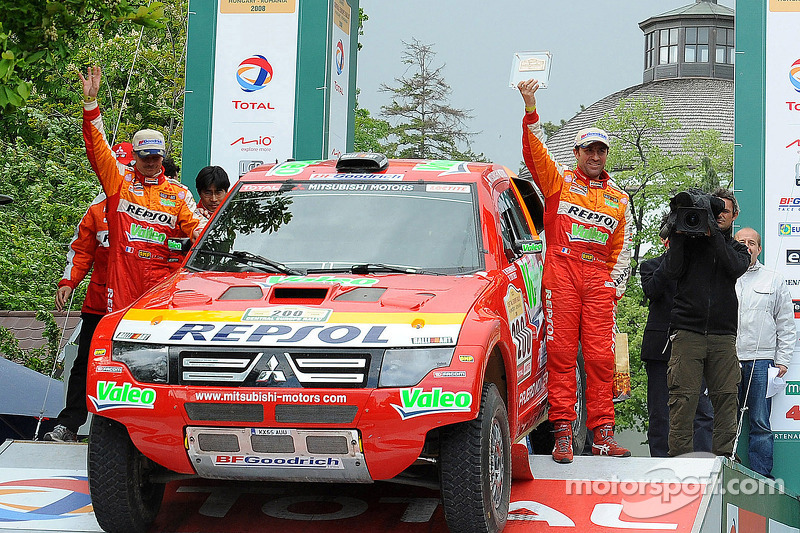 2007: Stéphane Peterhansel dan Jean-Paul Cottret, Mitsubishi Pajero Evolution