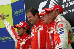Podium: race winner Kimi Raikkonen with Felipe Massa, Lewis Hamilton and Aldo Costa, Scuderia Ferrar