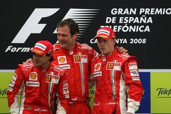 Podium: race winner Kimi Raikkonen with Felipe Massa and Aldo Costa, Scuderia Ferrari, Chief Designe