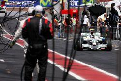 Rubens Barrichello, Honda Racing F1 Team back to the pits