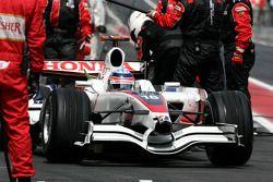 Takuma Sato, Super Aguri F1 Team during pitstop