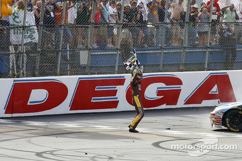 2008, Talladega 1: Kyle Busch (Gibbs-Toyota)
