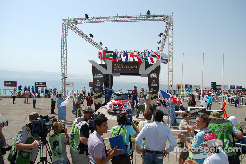 Podio: JWRC ganadores Sébastien Ogier y Julien Ingrassia, FFSA Citroen C2 S1600