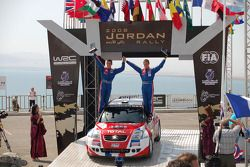 Podium : Sébastien Ogier et Julien Ingrassia, FFSA Citroen C2 S1600, vainqueurs JWRC