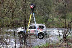 Retrieving the car of Ellen Lohr and Antonia De Roissard after exploring the riverbed a little to de