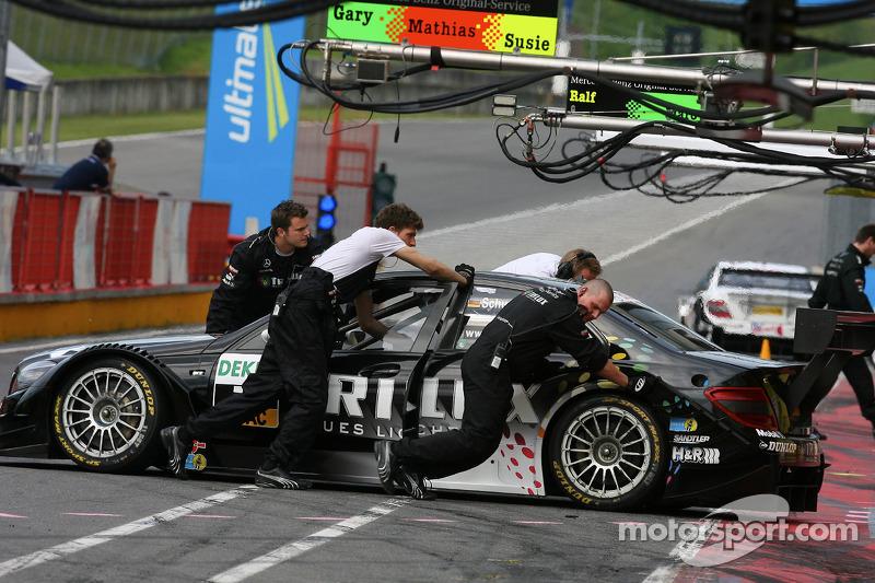 Ralf Schumacher, Mücke Motorsport AMG Mercedes, AMG Mercedes C-Klasse pushed back to garage