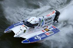 #1 Team Vauban Humanis: Christophe Boyard, Xavier Savin, Cédric Deguisne