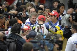 Valentino Rossi celebra su victoria en el GP de China 2008
