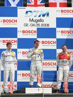 Podium: race winner Jamie Green with Paul di Resta, Tom Kristensen and Gerhard Ungar, chief technici
