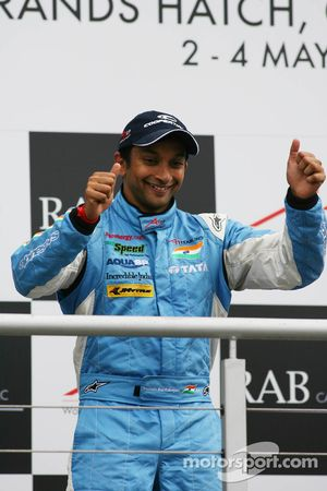 Podium: race winner Narain Karthikeyan