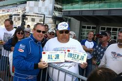 Al Unser Jr. poses with Unser fan