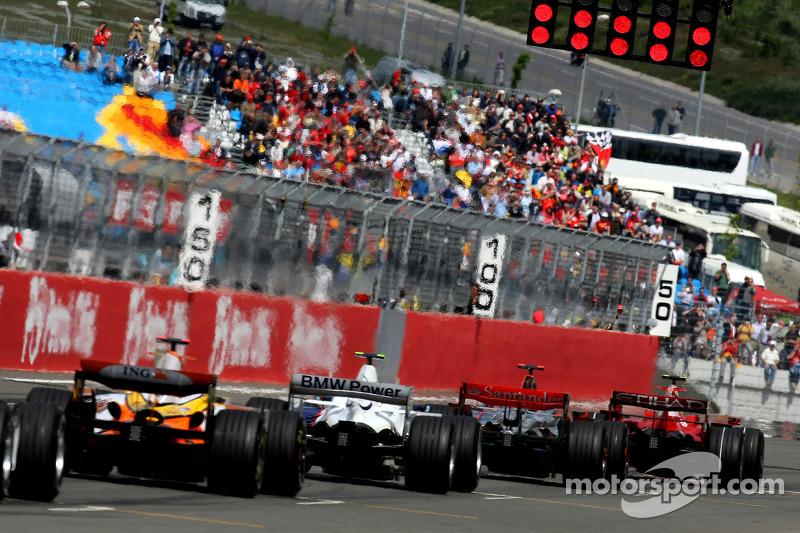 Start, Felipe Massa, Scuderia Ferrari, F2008, Lewis Hamilton, McLaren Mercedes, MP4-23, Robert Kubic