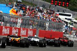 Start, Felipe Massa, Scuderia Ferrari, F2008, Lewis Hamilton, McLaren Mercedes, MP4-23, Robert Kubica, BMW Sauber F1 Team, F1.08