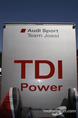 Camion de Audi Sport Team Joest