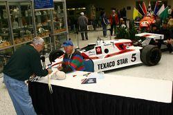 Tom Sneva's autograph session