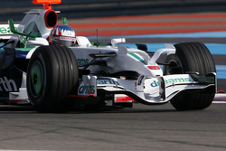 Alexander Wurz, Test Driver, Honda Racing F1 Team with new front wing