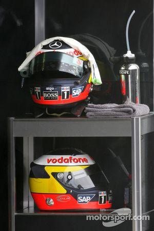 Helmets of Pedro de la Rosa, Test Driver, McLaren Mercedes