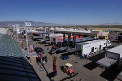 Miller Motorsports Park, paddock Ouest