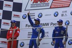 Ross Jamison (Team Meritus), Ryuichi Nara (Team E-Rain), Sean McDonagh (Team E-Rain) on the podium