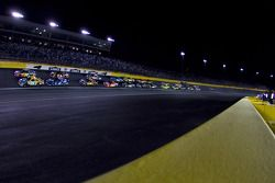 Kyle Busch and Jeff Gordon leads the field to the start