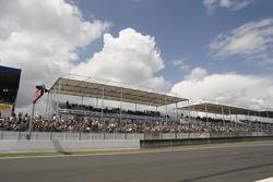 Le public du Mans prêt pour la course
