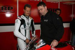 Teamchef Jens Holzhauer with Michael Schumacher