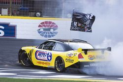 Burnout contest: Clint Bowyer competes in the burnout contest
