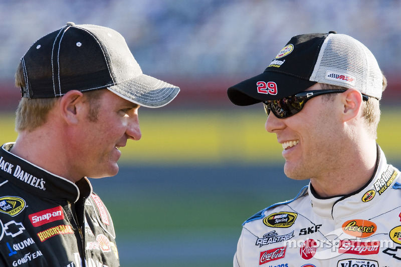 Clint Bowyer et Kevin Harvick