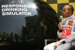 Льюис Хэмилтон, McLaren Mercedes и Мика Хаккинен представляют в Монте Карло кампанию бренда