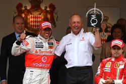 1st place Lewis Hamilton, McLaren Mercedes with Ron Dennis, McLaren, Team Principal, Chairman and Fe