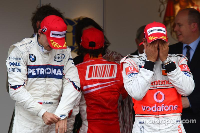 Robert Kubica, BMW Sauber F1 Team ve Lewis Hamilton, McLaren Mercedes