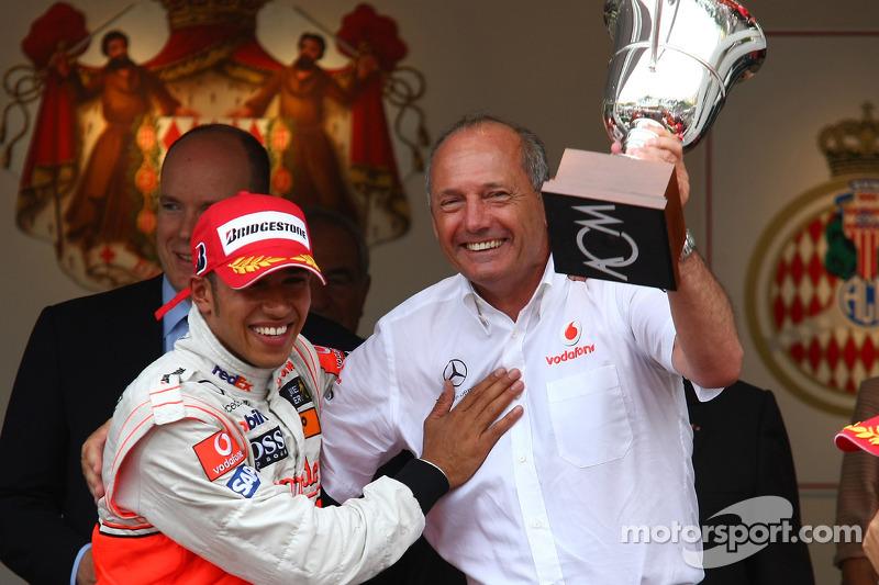 Ron Dennis, McLaren, Takım Patronu, Yönetim Kurulu Başkanı ve 3. sıra Lewis Hamilton, McLaren Merced