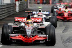 Lewis Hamilton, McLaren Mercedes leads Robert Kubica, BMW Sauber F1 Team and Felipe Massa, Scuderia