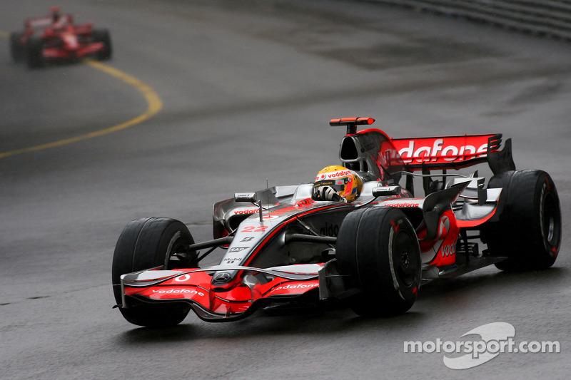 2008: Ganador de la carrera Lewis Hamilton (McLaren Mercedes, MP4-23)