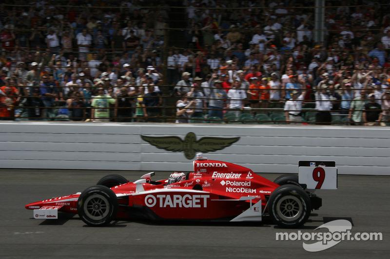 2008: Scott Dixon gewinnt Indy 500 und den Titel