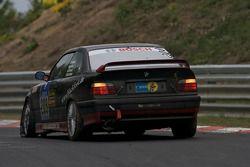 BMW M3 : Christer Hallgren, Meyrick Cox, Lasse Osterlid