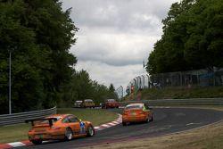 Manthey Racing Porsche 911 GT3 Cup : Frank Kröhling, Marc Gindorf, Peter Scharmach