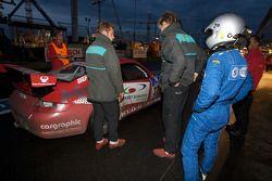 #37 Team RDM-Cargraphic-Racing Porsche 911 GT3 Cup: Hans Graf, Peter König, Steffen Schlichenheimer, Fred Scheunemann in the pits