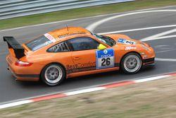 Manthey Racing Porsche 911 GT3 : Frank Kröhling, Marc Gindorf, Peter Scharmach