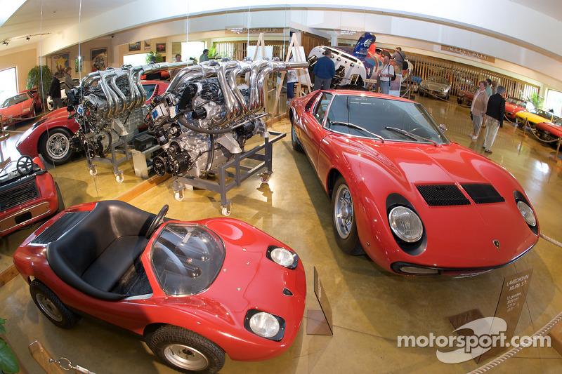 Lamborghini Area Lamborghini Miura S And Engine At 24 Hours Of Le Mans