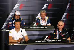 David Coulthard, Red Bull Racing, Fernando Alonso, Renault F1 Team, Pat Symonds, Renault F1 Team, Martin Whitmarsh